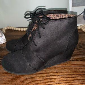 Black Lace Up Wedges